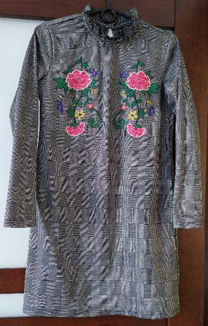Sukienka prosta w kratkę roz. XS/34 Carry