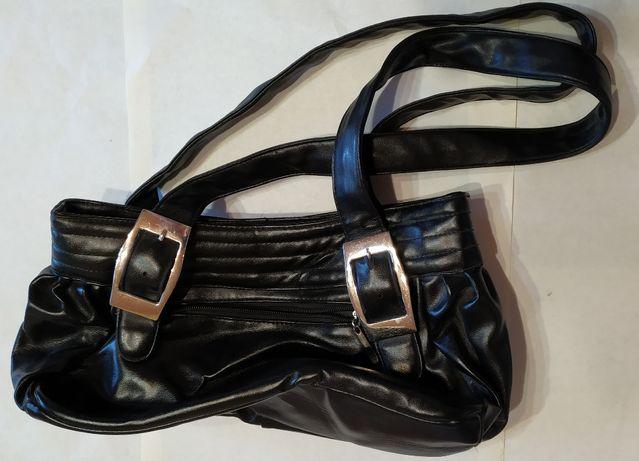 Продам женскую сумку черную