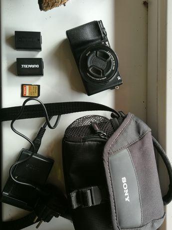 Sony a6300 z obiektywem E 3.5-5.6 16-50 mm