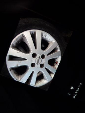 Opel Meriva. Alufelgi  16
