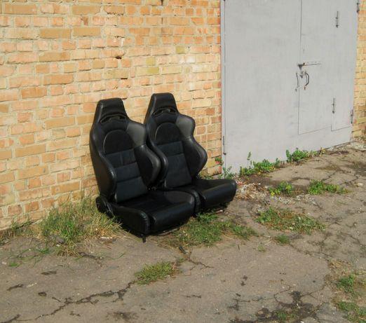 Продам сидения откидные, регулируемые кожаные ковши.