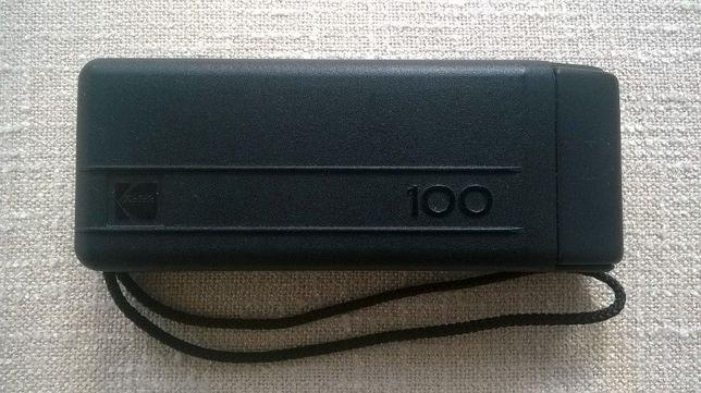 Máquina fotográfica Kodac 100. Antiga de colecção. Envio por correio.