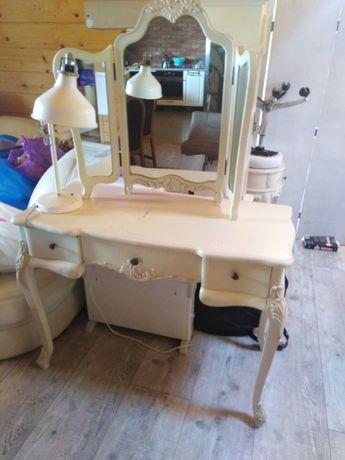 Toaletka z drewna z lustrem styl prowansalski