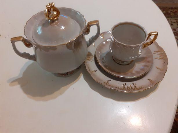 Посуда :набор тарелок ,кофейный  сервиз