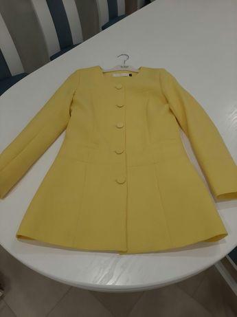 Пальто- піджак, весняно-літній.