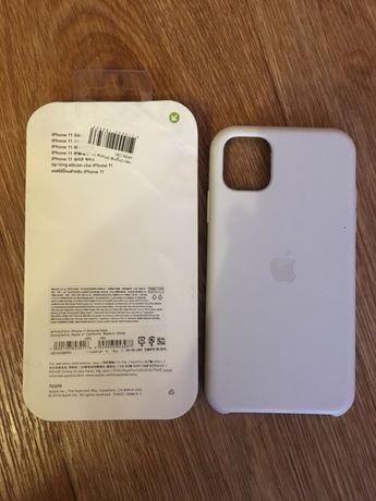 Силиконовый чехол на iPhone 11