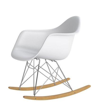 Krzesło bujane białe w stylu skandynawskim