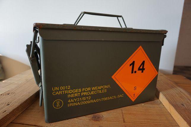 Skrzynia metalowa po amunicji skrzynka wojskowa hermetyczna, walizka