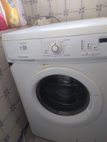 Maquina de lavar roupa  ELECTROLUX