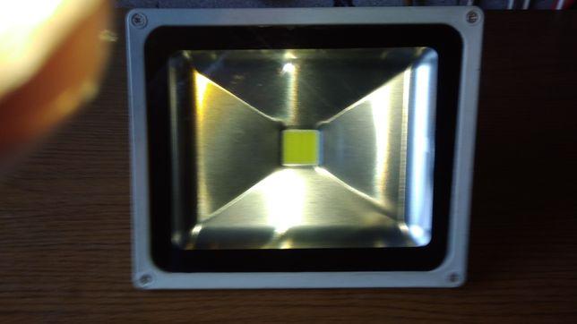 Vendo projetor de LED 30 watts