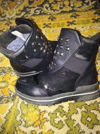 Зимние ботинки, в нормальном состоянии.