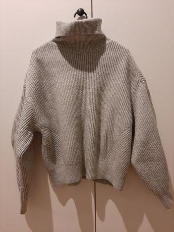 Gruby, szary golf sweter