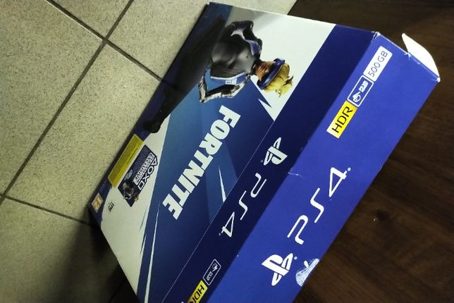 Playstation 4 Slim PS4 500/1pad/ Fifa 2020 + GTA V - Far Cry Primal