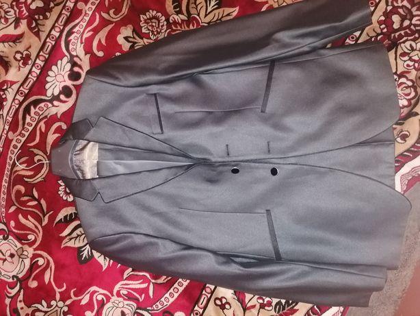Продам пиджаш, штаны, галстук(комплект)