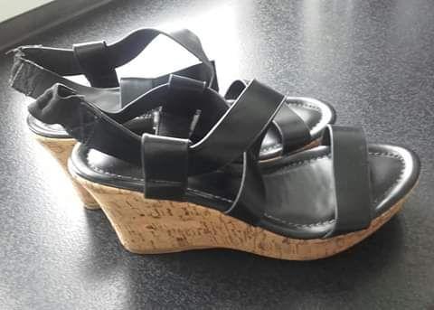Sandały, rozmiar 39