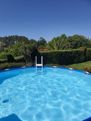 Casa de férias com jardins e piscina para alugar