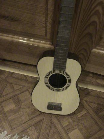 Гитара деревянная,детская