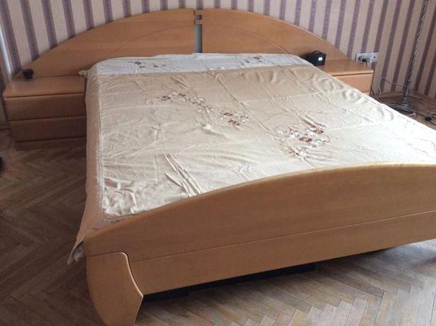 двуспальняя кровать с тумбами Германия дерево матрас б/пружин