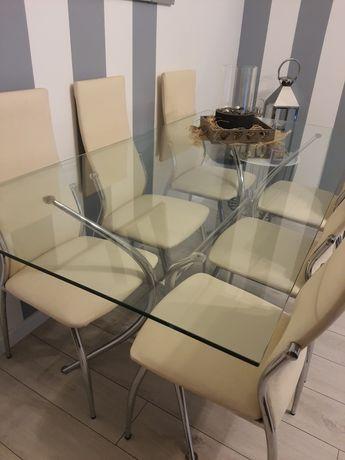 Stół szklany bez krzeseł