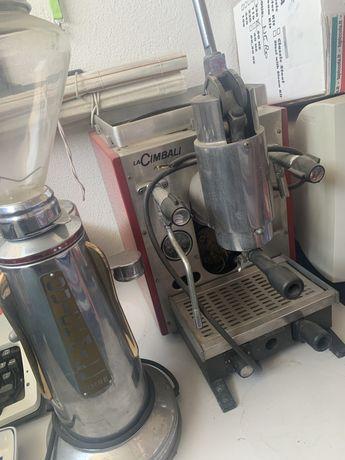 Conjunto de Maquina de Cafe + Moinho