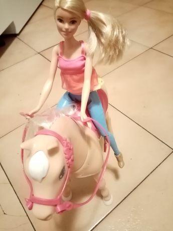 Koń Barbie interaktywny