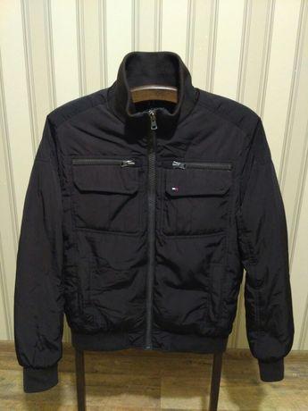 Куртка м Tommy Hilfiger р S(46) ц 1100 гр(оригинал,в отличном состоян)