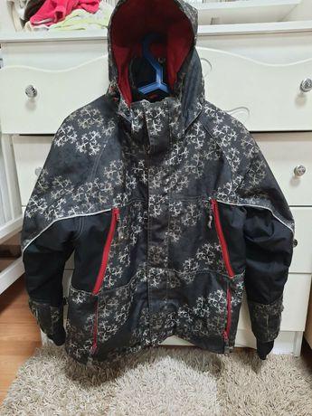 Куртка  пуховик .на подростка 140-150рост срочно