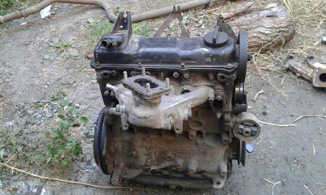 двигатель 1, 8 карбюратор VW гольф \ джетта