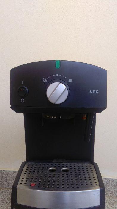 Máquina café AEG a peças Ovar, São João, Arada E São Vicente De Pereira Jusã - imagem 1