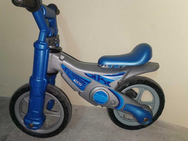 Bicicleta equilibrio azul criança