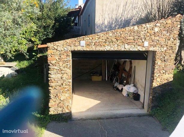 Vende-se Casa de Habitação com Terreno - CH2285/19