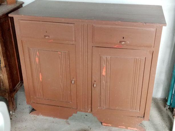 Móvel de cozinha antigo