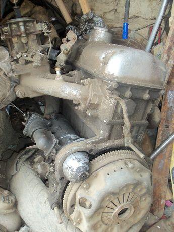 Двигатель на самодельный трактор.