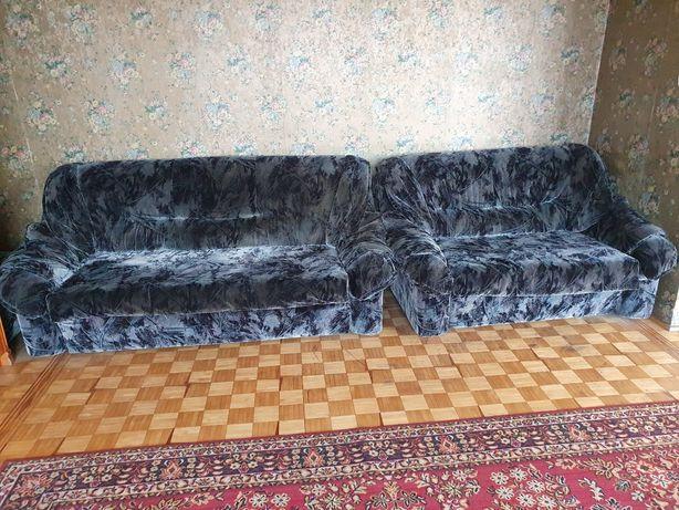 Dwie sofy plus dwie pufy sofa pufa