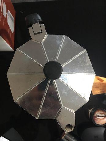 Cafeteira de alumínio