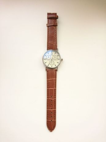 Стильные часы класический стиль