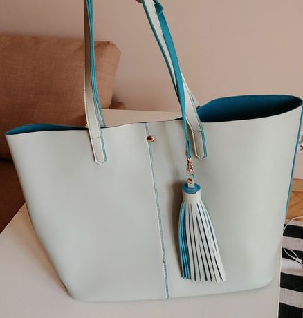 Duża niebieska torebka