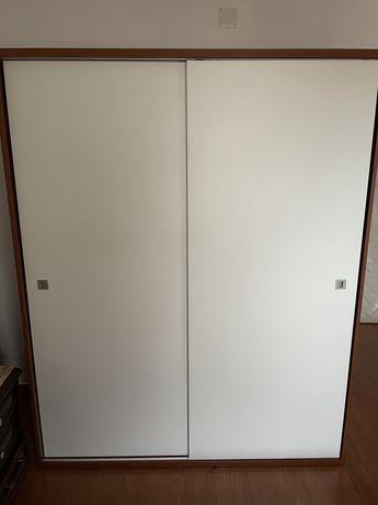 Armário/Roupeiro / Cómoda / Espelho / Conjunto móveis de quarto