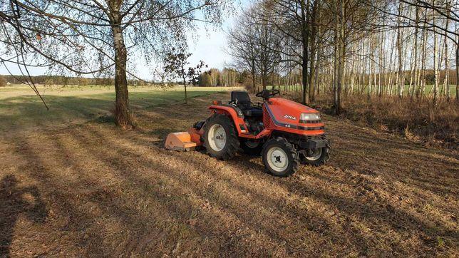 Koszenie trawy działek nieużytków kosiarka bijakowa traktorek