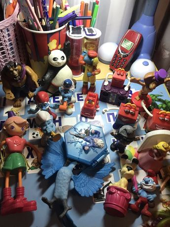 Игрушки из Магдонольса .