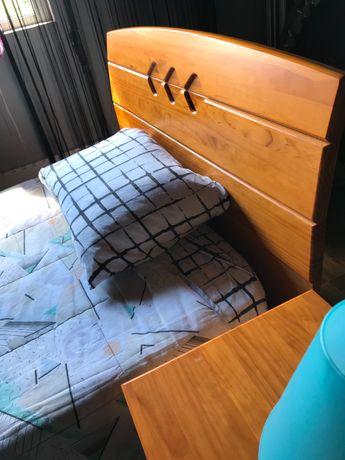 Cama em pinho mel+estrado+mesa+colchão