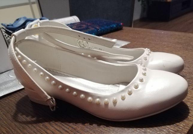 Buty białe komunia roz 35