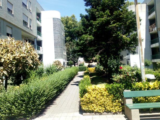 Apartamento T3 Monte dos Burgos-negociavel