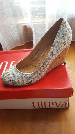 Sapato florido com tacão em cortiça, Foreva 38 novo