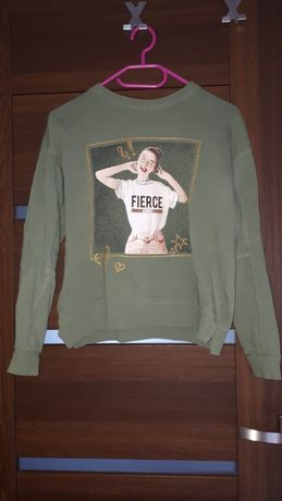 Zielona bluza z nadrukiem