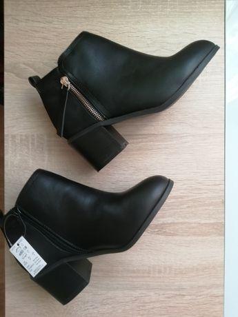 Nowe buty na obcasie botki Sole Diva 37