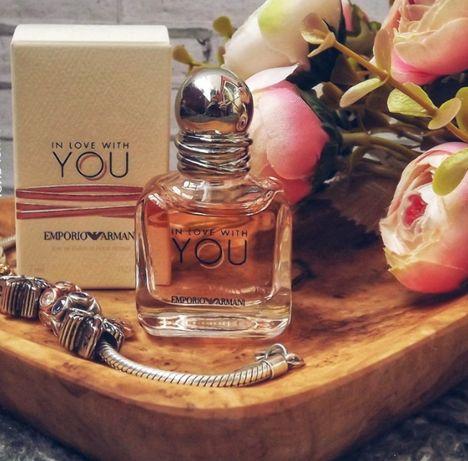Вода парфюмированная in love with you от Emporio Armani.
