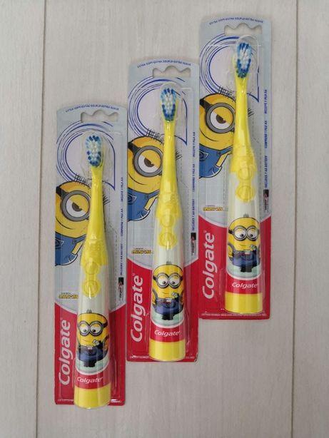 Детская зубная щетка Colgate. Colgate миньйон