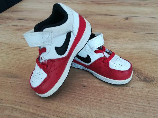 Buty sportów nike 22