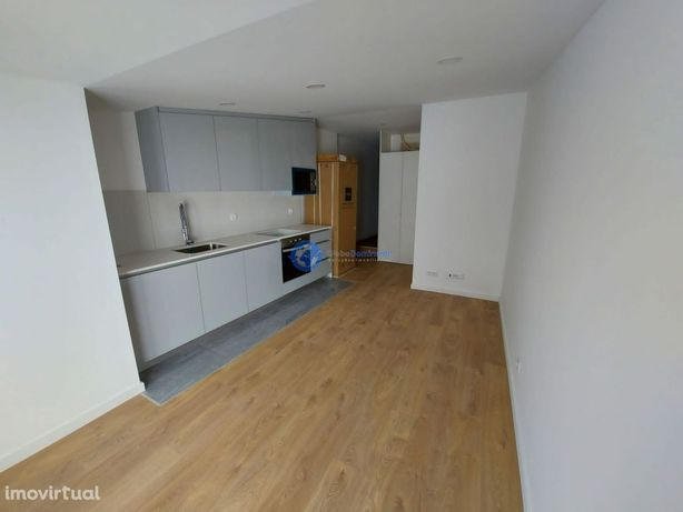Apartamento T1 em S. Vicente para arrendamento